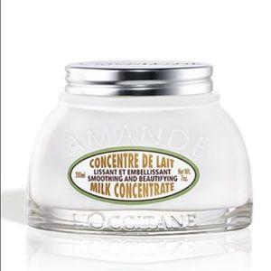 NEW - L'OCCITANE - Almond Milk Concentrate